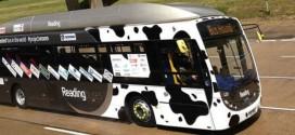 Ônibus movido a fezes bate recorde de velocidade na Inglaterra