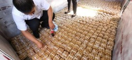 Chinês compra carro de luxo com quatro toneladas de moedas
