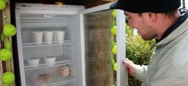 População carente ganha geladeira comunitária em Bruxelas