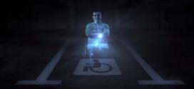 Holograma de cadeirante dá bronca em motorista que estaciona em preferencial