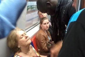 Senegalês socorre idosa em trem no RS e chama atenção de passageiros