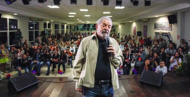 """Durante evento, Lula diz que vai crescer """"que nem um Pokémon"""""""