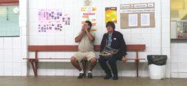 Vendedor viaja de MG a SP, faz plantão em eleição e revê irmão após 25 anos