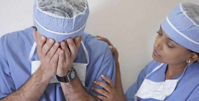 A cada três minutos, duas pessoas morrem por erro médico no Brasil