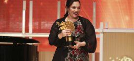 Inglesa que aprendeu 35 línguas vence prêmio de melhor professora do mundo