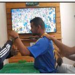 Guias-intérpretes 'narram' gol do Brasil para torcedor surdo-cego